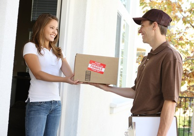 Lieferung nach Hause im Distanzhandel